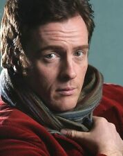Toby Stephens UNSIGNED photo - 8788 - SEXY!!!!!
