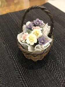 Llandro Brown Basket With Flower