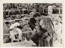 MAE WEST ringside boxing scene ROGER PRYOR boxer Vintage Photo BELLE OF THE 90's