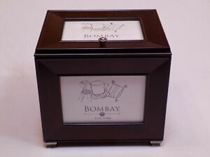 """The Bombay Company 4x6"""" Photograph Holder Albums Brown Wooden Storage Box 2001"""