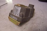 NEW BARKSDALE D2T-A3Q24 PRESSURE/VACUUM ACTUATED SWITCH RANGE .03-3. PSI 480V