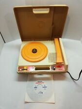 VINTAGE 1978 FISHER PRICE MODEL 825 CHILD'S RECORD PLAYER 45 & 33 RPM SPEEDS