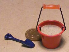 1:12 Scale Red Bucket Of Sand & Spade Dolls House Garden Beach Accessory 5531