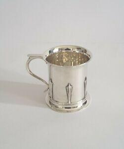 NICE DECO VINTAGE SOLID SILVER CHRISTENING MUG / CUP.    109gms.    LON. c.1935.