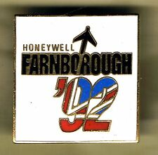 FARNBOROUGH, UNITED KINGDOM - AIR SHOW 1992 BADGE