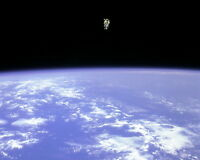 New 8x10 NASA Photo: Astronaut Floating in Space on Challenger Mission