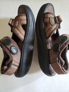 MBT Womens Kisumu Chocolate Brown Leather Rocker Toning SandalsSize 10 EU 41