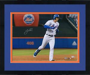 """Framed Jeff McNeil New York Mets Autographed 16"""" x 20"""" Apple Photograph"""