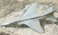 bel avion en aluminium brut vintage