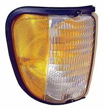 FLEETWOOD PACE ARROW 1996 1997 1998 1999 2000 CORNER SIDE MARKER LAMP RV - RIGHT