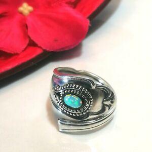 Besteckschmuck Ring aus einem Kaffeelöffel mit einem Opal versehen Vintage