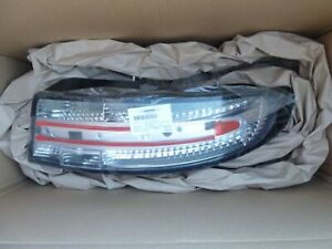 NEW ASTON MARTIN DBS DB9 Vantage Clear LED Right Tail light OEM Virage