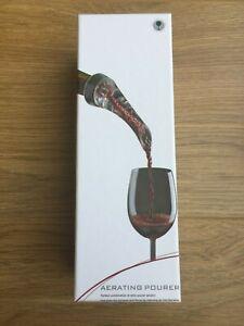 Wine aerating pourer