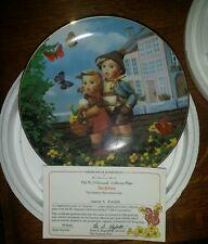 "Danbury Mint Hummel ""Surprise"" collector plate Hummel Collectible W/Coa (5),(3B)"