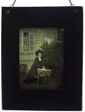 R. Dechavannes Paris - Autochrome Lumière - Jeune Femme au chapeau à Fleurs -