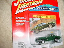 JOHNNY LIGHTNING CLASSIC CHEVY 1965 CORVETTE COUPE FREE USA SHIPPING