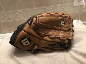 """Wilson A900 XLC 12.75""""  Women's  Fastpitch Softball Glove Right Hand Throw"""