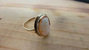 Rare gorgeous solid 10k gold Cameo Ring. Size 7.5