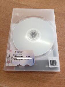Microsoft Windows SBS STD 2011 1-4 CPU 5 CAL LICENCE + DVD  X17-11204