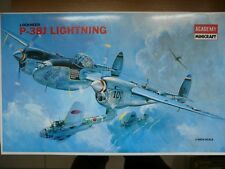 Maquette avion Academy 1/48 Lockheed P-38J LightningRef 2126