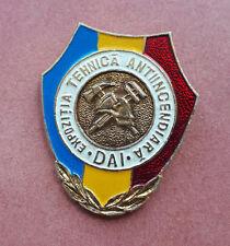 R* MOLDOVA PIN BADGE FIREFIGHTERS EQUIPMENT EXHIBITION aUNC/UNC DETAILS
