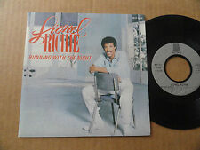 "DISQUE 45T DE LIONEL RICHIE  "" RUNNING WITH THE NIGHT """