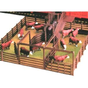 Life-Like 1378 - Modular Stock Pen  HO Scale Kit. Cattle not included
