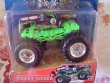 2005 Hotwheels MONSTER JAM TRUCK  GRAVE DIGGER  #1