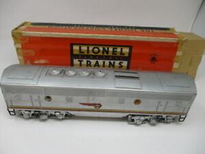 Lionel 2343C, Santa Fe, B-unit, Diesel Locomotive Non-powered, Screen Roof Vents