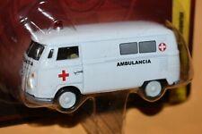 1965 VW Volkswagen Transporter Ambulance Ambulancia Johnny Lightning Forever 64