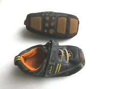 Boys Designer CLARKS First Blue Walking Shoes Size 3 1/2 3.5 PLAY ONLY (SCUFFED)