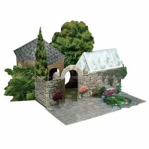 Santoro 3D Pop-Up Place - The Summer House