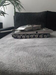 Leopard 2 1/16 Vollmetall Panzer