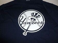 New York Yankees Classic Round Logo-Sponsored by Schick Quattro+Edge Gel Size XL