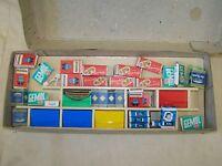 Alter DDR Kaufmannsladen mit Zubehör, Spielzeug