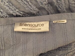 """Linen Source Chenille Bedspread Twin XL Size Blue Ribbed Design  72"""" x 106"""""""