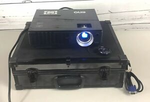 Benq MP720p DLP Projector 2500 Lumens in Hard Carry Case Tested Working Cables
