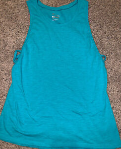 OLD NAVY WOMEN JUNIORS SHORT SLEEVE SEMI FITTED GREEN ATHLETIC SHIRT SIZE XS