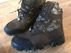 NWOB Mossy Oak Mens Hunting Boots Waterproof Thinsulate Insulated Camo Size 13