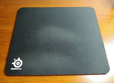 SteelSeries QcK Gaming Surface - Medium Thick Cloth Mouse Pad