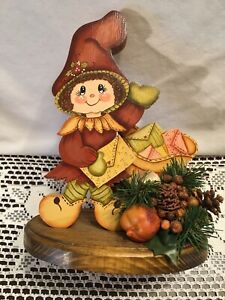 """Wooden Table top Thanksgiving Decor with Pine Cones, 3D  9"""" tall"""