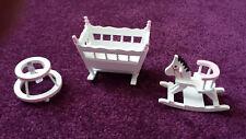Puppenhaus MÖBEL Kinderzimmer BABY Set 3 Teile Miniatur 1:12 WEIß Möbelset NEUw