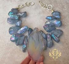 Art Pièces Agate Géode Tranche XL Gros Collier Imposant Doux Bleu Gris Quartz