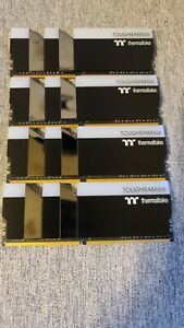 Thermaltake TOUGHRAM RGB DDR4 4400MHz 32GB 8GB x 4