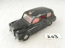 CORGI TOYS # 425 AUSTIN FX4 LONDON TAXI BLACK CAB DIECAST MODEL 1970S PLAYWORN