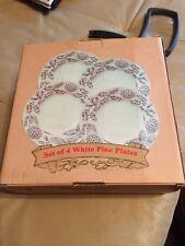 New Set Of 4 White Pine Plates Christmas