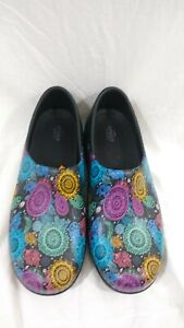 Crocs at Work Women's Size 11W Neria Pro II Graphic Closed Back Clog