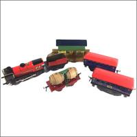 Ensemble motrice, tender, wagons et gare - Hornby Hachette