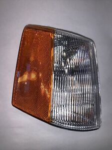 Turn Signal / Parking / Side Marker Light Assembly Right,Front Right TYC