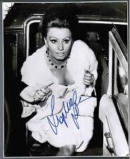 SOPHIA LOREN ORIGINAL 1965 SIGNED AUTOGRAPH PHOTO Dr. Zhivago Premiere